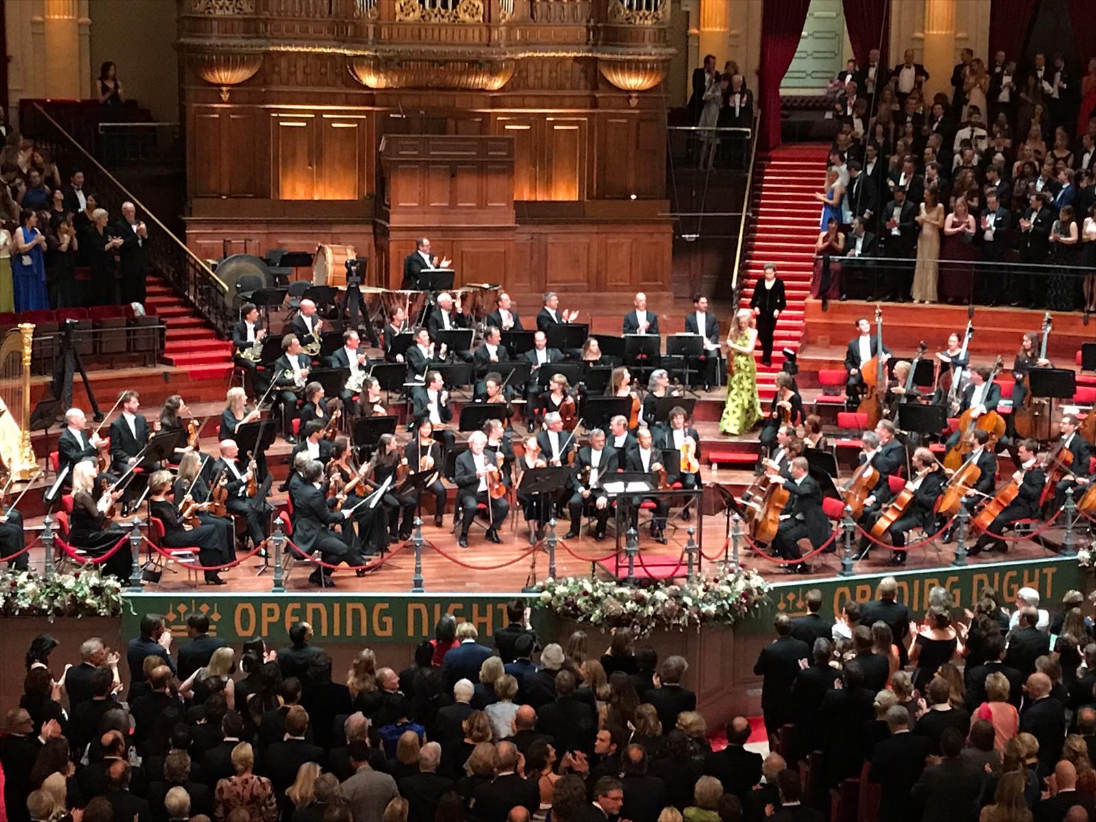 Simone Lamsma opens Royal Concertgebouw Orchestra 19/20 season